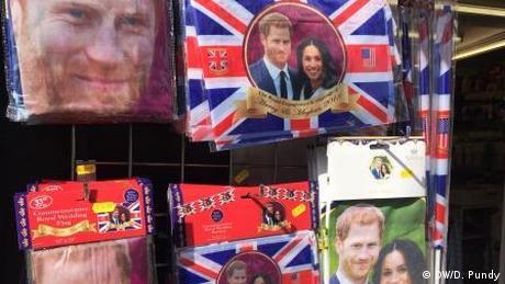 Souvenirs zur Hochzeit von Prinz Harry und Mehan Markle in Windsor (DW/D. Pundy)