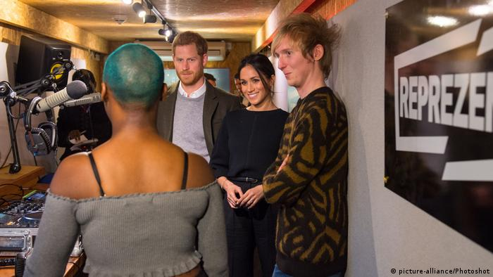 Prince Harry and Meghan Markle at Reprezent FM (picture-alliance/Photoshot)