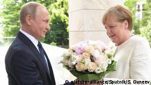 Russland Wladimir Putin & Angela Merkel in Sotschi