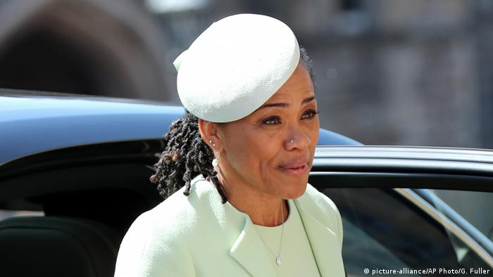 Doria Ragland, mother of the bride (picture-alliance/AP Photo/G. Fuller)