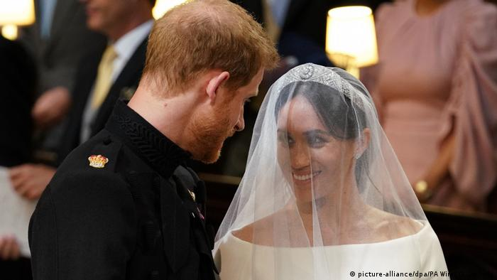 UK | Hochzeit Prinz Harry & Meghan Markle | Brautpaar (picture-alliance/dpa/PA Wire/ D. Lipinski)