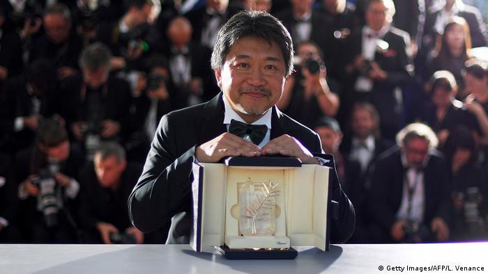 Frankreich Cannes - Hirokazu Kore-Eda gewinnt Palme d'Or für Shoplifters (Getty Images/AFP/L. Venance)