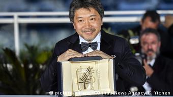 Frankreich Cannes - Hirokazu Kore-Eda gewinnt Palme d'Or für Shoplifters (picture-alliance/Xinhua News Agency/C. Yichen)