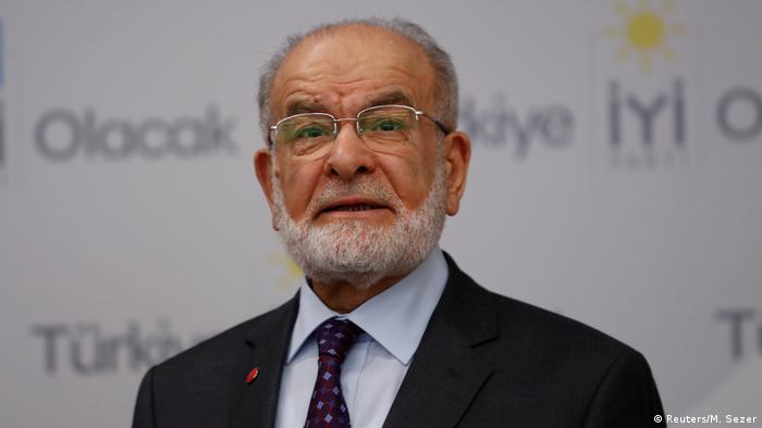 Türkei Parteivorsitzender der Partei der Glückseligkeit (Saadet Partisi) Temel Karamollaoglu in Ankara
