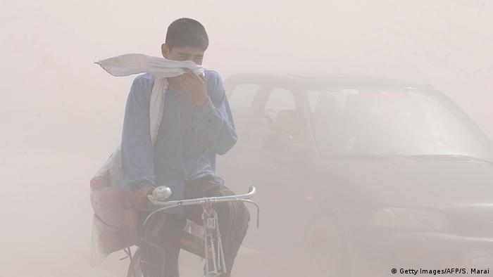 Afghanistan 2010   Smog & Luftverschmutzung in Kabul (Getty Images/AFP/S. Marai)