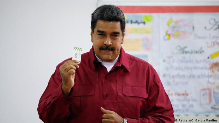 Venezuela Wahlen | Nicolas Maduro gibt Stimme ab (Reuters/C. Garcia Rawlins)