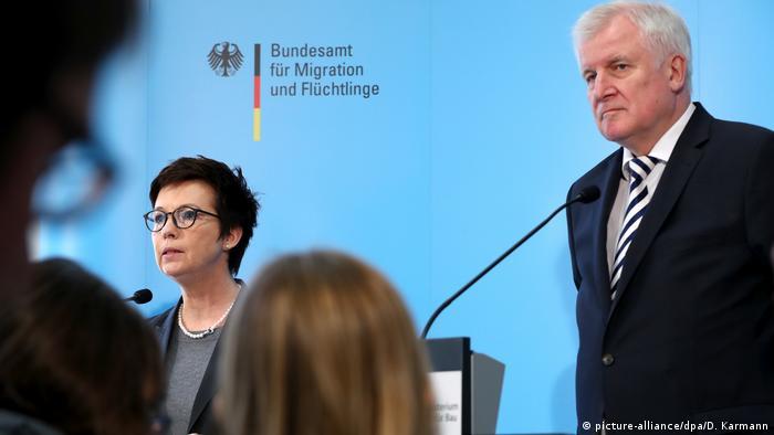 Deutschland Bundesinnenminister Seehofer besucht BAMF
