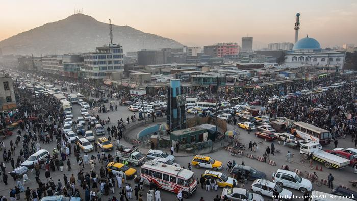 A busy intersection in Kabul's old city (Getty Images/AFP/D. Berehulak)