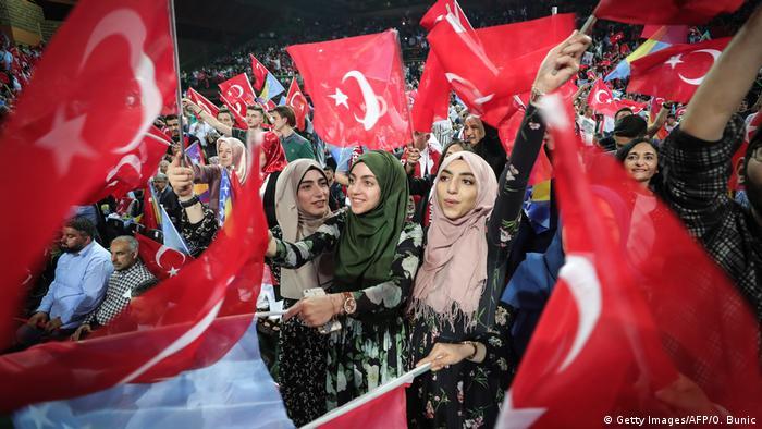 Bosnien Sarajevo Erdogan Wahlkampfveranstaltung (Getty Images/AFP/O. Bunic)