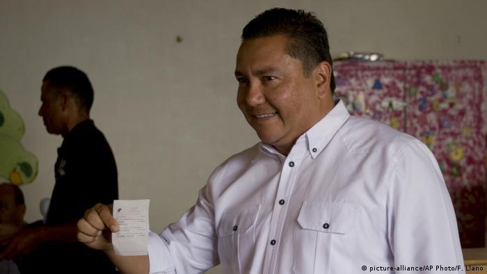 Präsidentschaftswahl in Venezuela (picture-alliance/AP Photo/F. Llano)
