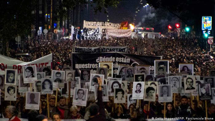 Uruguay Marcha del Silencio in Montevideo (Getty Images/AFP/P. Porciuncula Brune)