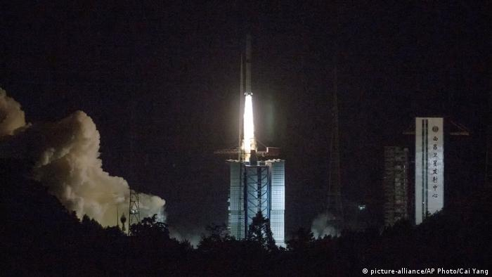 Launch of a Chinese relay satellite in May 2018