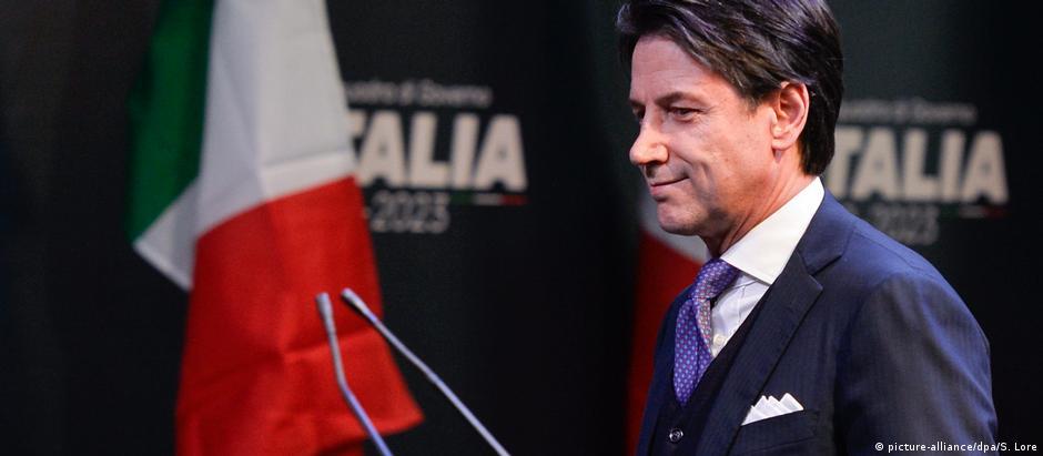 Um nome desconhecido na Itália, Giuseppe Conte não integra o Parlamento italiano
