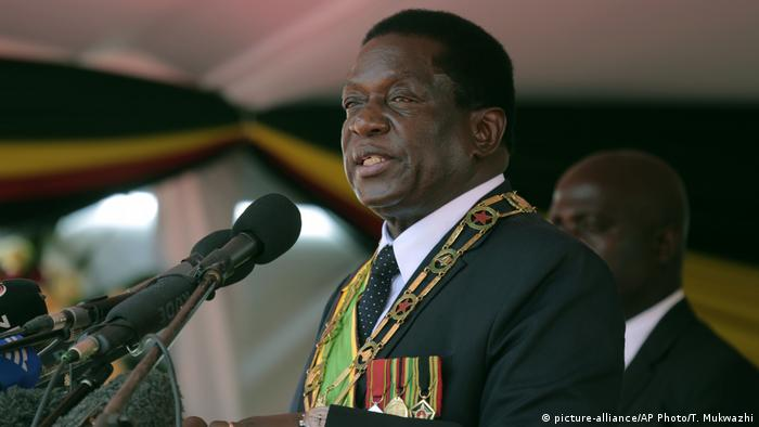 Simbabwe Unabhängigkeitsfeier Präsident Emmerson Mnangagwa (picture-alliance/AP Photo/T. Mukwazhi)