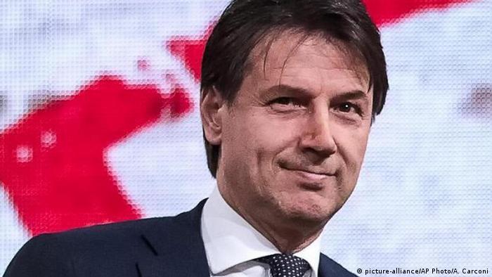 54 yaşındaki hukuk profesörü Giuseppe Conte