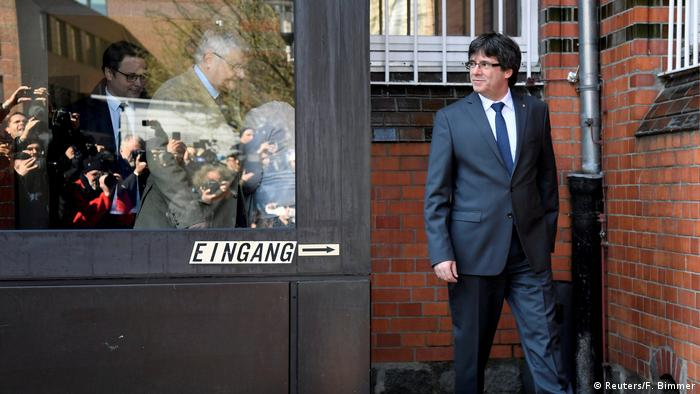 Generalstaatsanwaltschaft will Auslieferung von Puigdemont (Reuters/F. Bimmer)