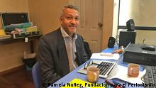 For one week, Alberto Martínez, journalist and lecturer at the Universidad del Norte in Colombia, shared his knowledge with 16 journalists in Bolivia - and invited them to rethink economic issues. (Pamela Núñez, Fundación para el Periodismo)