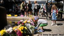 Großbritannien Gedenken 1. Jahrestag Anschlag Ariana-Grande-Konzert in Manchester | Blumen