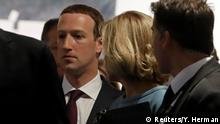 Brüssel EU-Parlament | Mark Zuckerberg, Facebook-CEO nach der Anhörung (Reuters/Y. Herman)