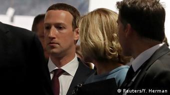 Brüssel EU-Parlament   Mark Zuckerberg, Facebook-CEO nach der Anhörung (Reuters/Y. Herman)