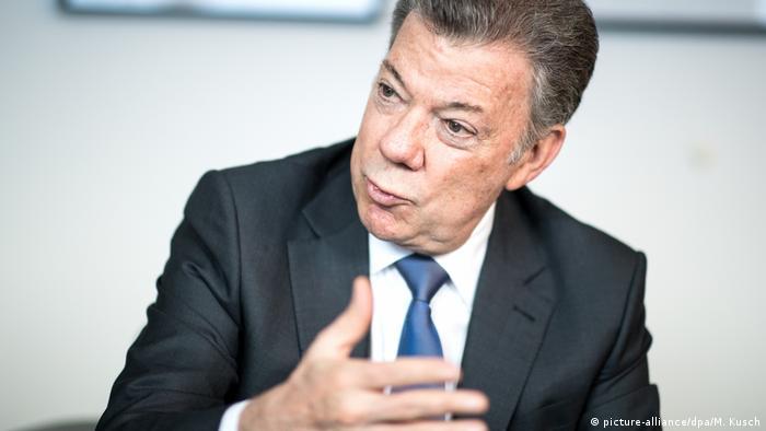 Deutschland Münster Juan Manuel Santos (picture-alliance/dpa/M. Kusch)