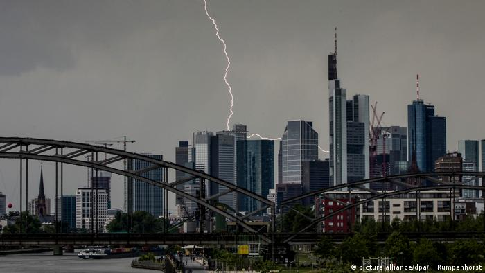 Thunder and lightning in Frankfurt