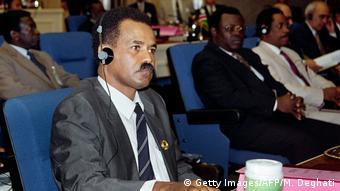 Eritrea-Präsident Issayas Afeworki 1993 bei OAU (Getty Images/AFP/M. Deghati)