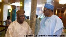 Nigeria Abuja - President Muhammadu Buhari und ehemaliger Präsident Olusegun Obasanjo