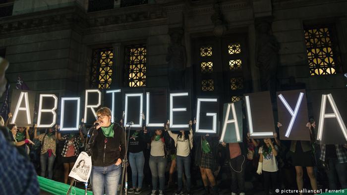 Manifestación a favor del aborto en Argentina.
