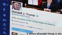 Symbolbild Twitteraccount Donald Trump (picture-alliance/AP Photo/J. D. Ake)