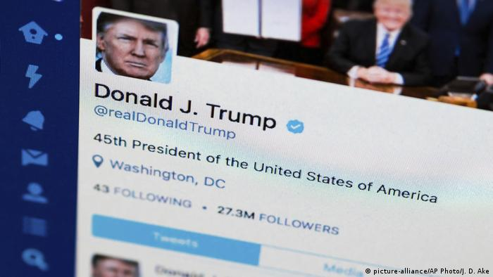 Twitteraccount Donald Trump (picture-alliance/AP Photo/J. D. Ake)