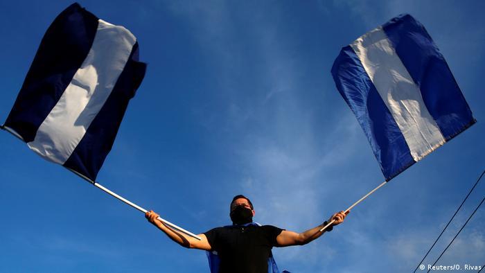 NICARAGUA: Miles de personas protestan contra Ortega en Nicaragua