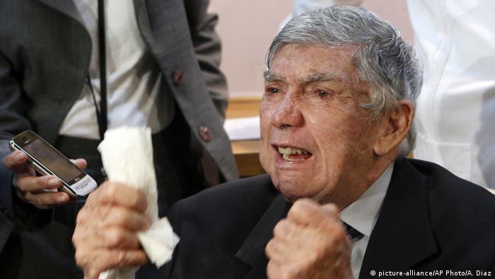 CUBA: Posada Carriles: héroe y villano en la muerte