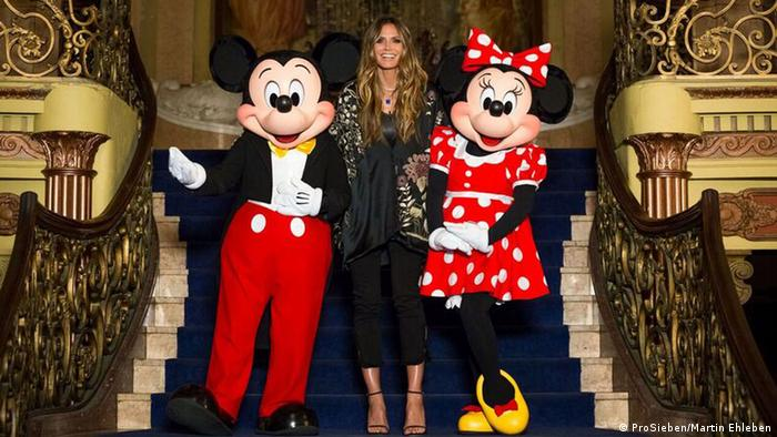 Heidi Klum with Mickey and Minnie Mouse (ProSieben/Martin Ehleben)