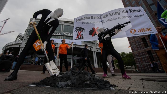 Hauptversammlung Deutsche Bank Attac