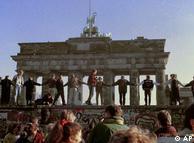 Caída del Muro de Berlín. La fuerza de la liberatad se impuso contra la fuerza de las balas.