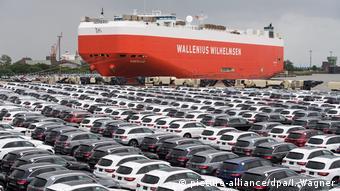 Новые автомобили Мерседес готовы к отправке за океан