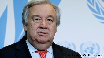 Schweiz - UN-Generalsekretär in Genf (Reuters/D. Balibouse)