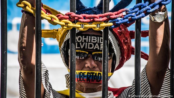 Venezuela Protest Freilasung politische Gefangene (picture-alliance/Zuma/R. Camacho)