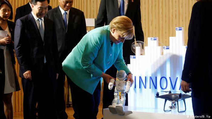 China Shenzhen Angela Merkel beim Innovation Hub (Reuters/B. Yip)