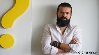 Portraitfoto: Schriftsteller Onur Orhan