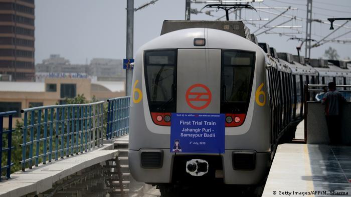 Indien Metro in Neu-Delhi