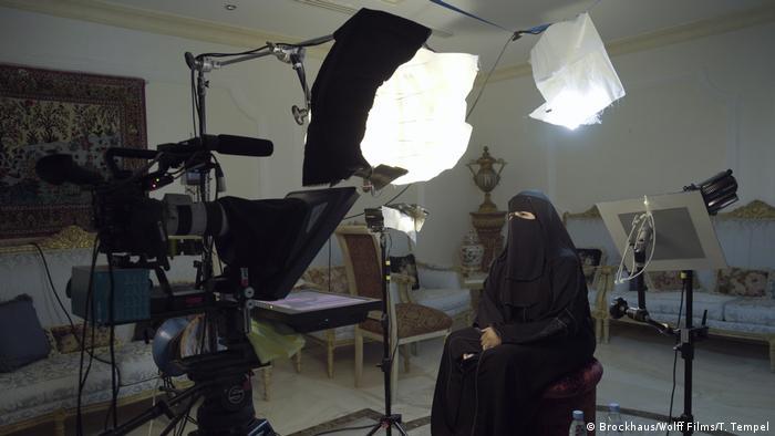 Hissa Halal bei den Dreharbeiten für The Poetess von Stefanie Brockhaus und Andreas Wolff