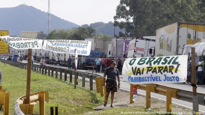 Brasilien - Benzinproteste (picture-alliance/ZUMAPRESS/Agencia O Globo/A. Scorza)