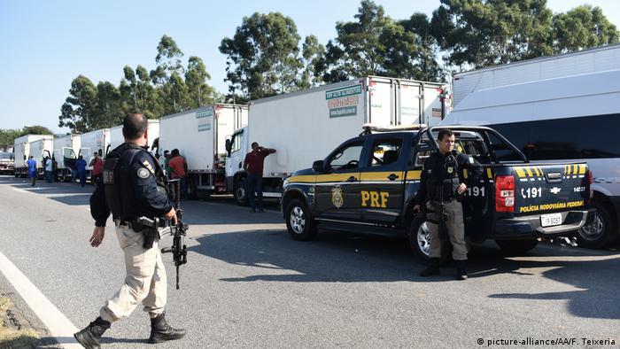 Протести водіїв вантажівок у Бразилії через високі ціни на пальне