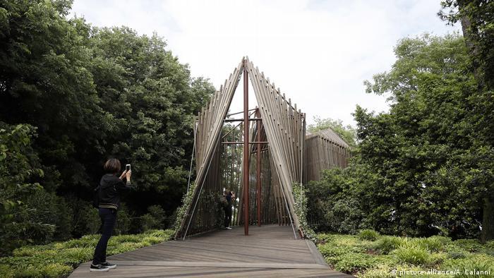 Italien, Venedig: Biennale Architektur Norman Forster (picture-alliance/A. Calanni)