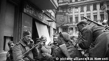 Zweiter Weltkrieg Eroberung von Berlin 1945 durch Rotarmisten