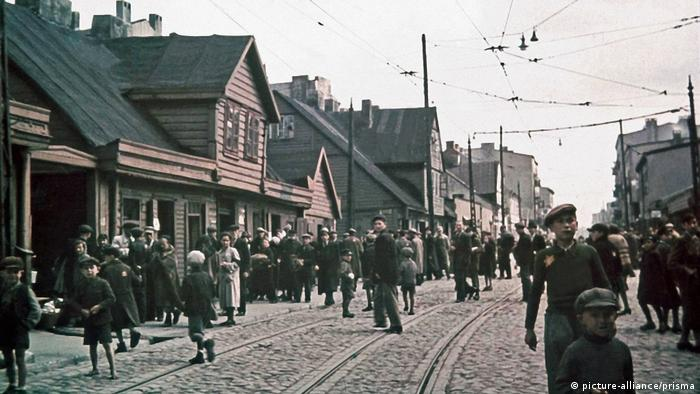 A street in the Lodz ghetto in 1941