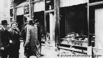 Kristallnacht 1938 (picture-alliance/akg-images)