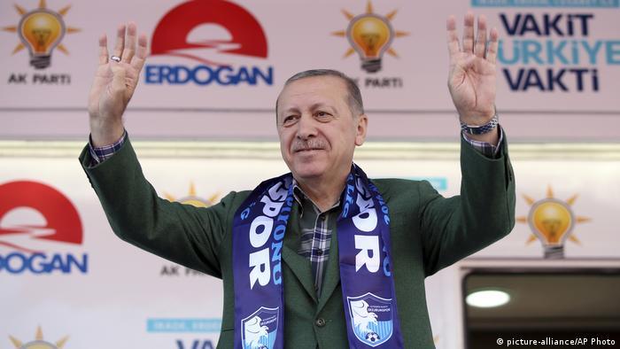 Türkei, Erzurum: Präsident Recep Tayyip Erdogan bei einer Wahlveranstaltung
